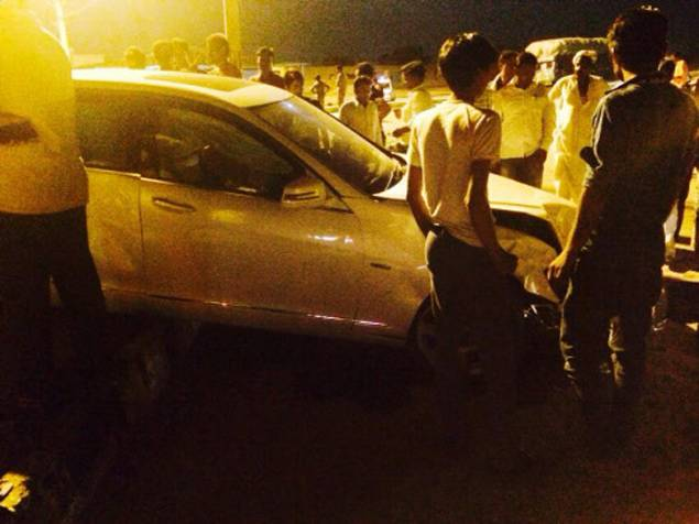 Hema Malini's car accident pics images