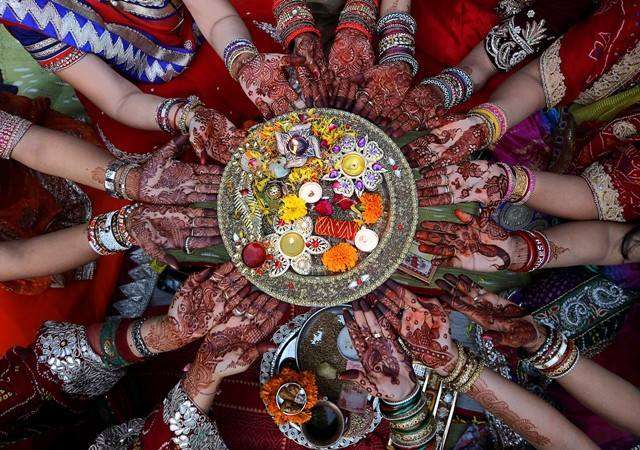 Karva Chauth Meaning,Explanation,Significance,Importance,Images,Celebrations,Quotes,Mantras and Places 2018