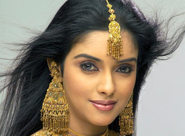 Asin Thottumkal Career
