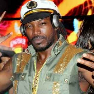 Chris Gayle Dancing To Sapna Choudhary's Song