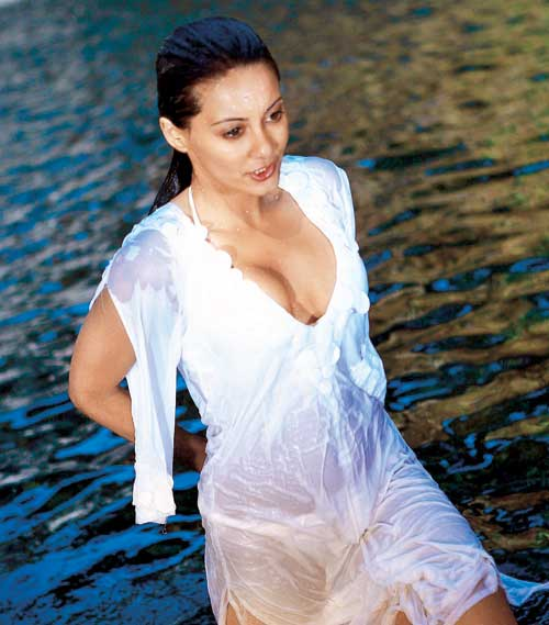 Bio Facts Family Life Of Swimsuit Model: Minissha Lamba Height, Weight, Age, Family, Biography