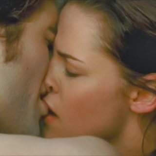 hot kissing image