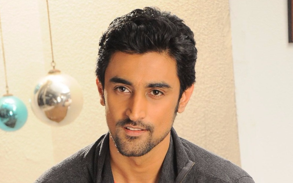 Kunal Kapoor Biography,Birthday,Wiki,Family,Career,Age,Awards and Images