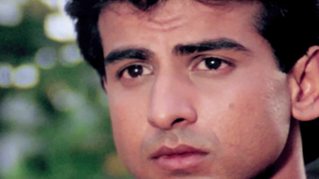 Ronit Roy early life